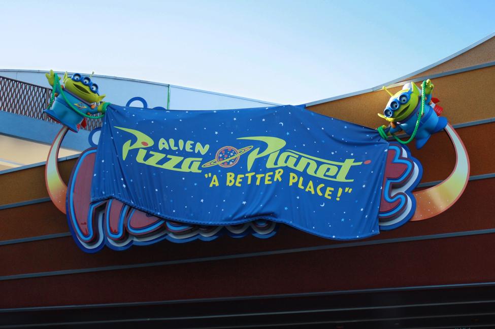Melanie Lapovich Alien Pizza Planet